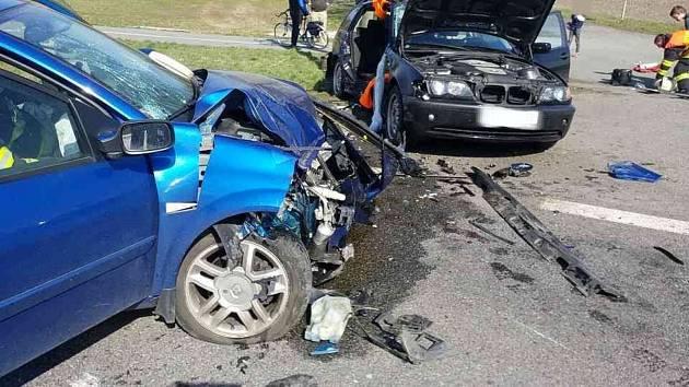 U Ostřetína došlo k nehodě.