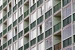 ÚNOR. Velký zájem vyvolal mezi mladými lidmi v Pardubicích projekt startovacího bydlení. Město dalo k dispozici 25 bytů, o které se ucházelo 184 zájemců. Šťastné nájemníky městských bytů vybral los.