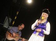 Zahájení Multikulturního týdne v Pardubicích. Mongolská zpěvačka Myanganbayar Bazarjav.