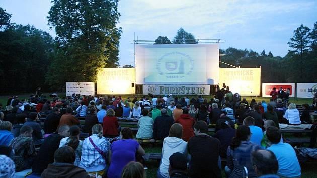 Pardubické letní kino odstartovalo sezonu 2009