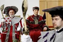 Pardubická univerzita zažila střídání rektorů.
