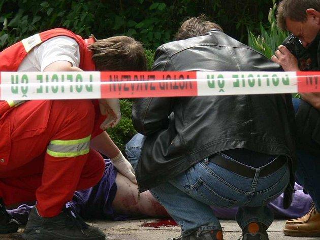 Muž zemřel po pádu z 12. patra.