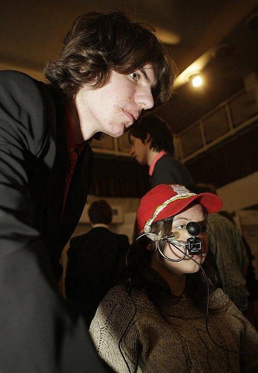 Student Filip Naiser vyhrál na Festivalu vědy a techniky. Firma ho ale obvinila z plagiátorství.