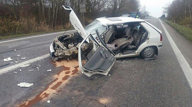 Dopravní nehoda si vyžádala 4 zraněné