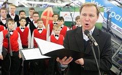 Česko zpívá koledy 2016 s Pardubickým deníkem v Atriu paláci Pardubice.