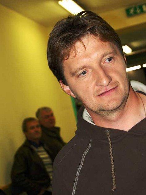 Moderátor soutěže Jaromír Bosák