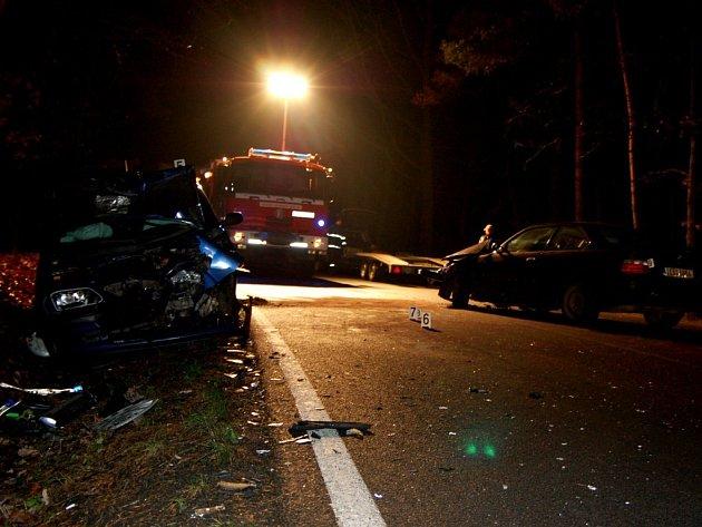 Střet dvou vozidel u Živanic si vyžádal jedno středně těžké zranění.