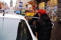 Do prodejny albert jeli policisté pro nepoctivé zákazníky hned dvakrát