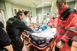 Asistence policie je nutná i v nemocnici.