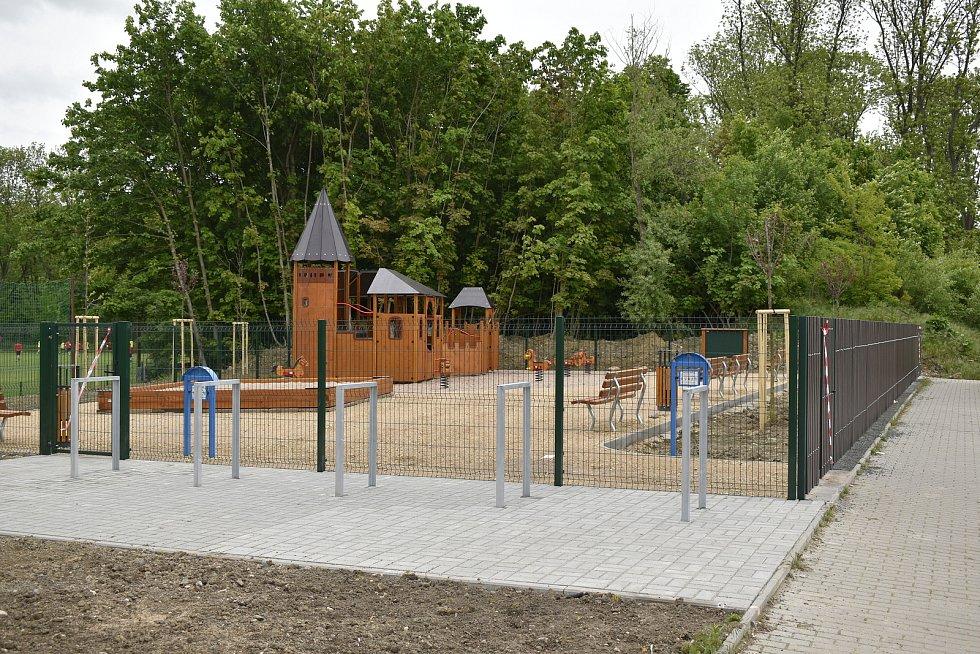 Dětské hřiště za milion a čtvrt staví městský obvod.