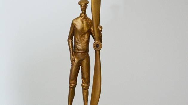 Socha Jana Kašpara od Františka Bálka by měla stát na třídě Míru.