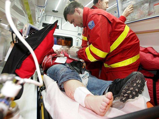 První výjezd v roce 2012. Dvacetiletá dívka si při pádu na stojan kola přivodila ošklivou tržnou ránu na noze.