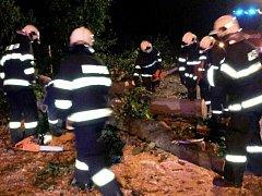 Zásah hasičů v Sázavě.