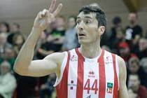 Basketbalista Jiří Welsch má se zámořskou soutěží moře zkušeností.