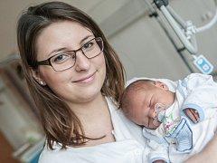 Filip Bláha se narodil  29. března v 10:33 hodin. Měřil 49 centimetrů a vážil 3290 gramů. Maminku Anetu u porodu podpořil tatínek David. Rodina je doma v Pardubicích.