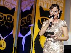 Jolana Voldánová jako moderátorka zahájení Febiofestu 2016
