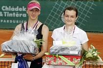 Finále juniorek, vyhrála Tereza Smitková (vlevo) nad Jesicou Malečkovou