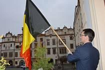 Pardubice vyvěsily na radnici vlajku Belgie