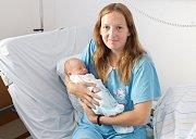 SIMON DAŠ se narodil 13. června ve 20 hodin a 20 minut. Měřil 53 centimetrů a vážil 3740 gramů. Maminku Janu u porodu podpořil tatínek Martin a bydlí ve Vysokém Mýtě.