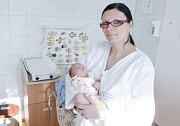 LUCIE ČAŇKOVÁ se narodila 19. února 35 minut po půlnoci. Měřila 48 centimetrů a vážila 2860 gramů. Rodiče Lucie a Martin bydlí v Pardubicích.