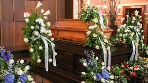 Pohřeb bývalého hokejového brankáře Adama Svobody v pardubickém krematoriu