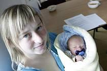 Štěpán Vopršal se narodila 29. března v 8:55 hodin. Měřil 49 centimetrů a vážil 3130 gramů. Maminku Petru u porodu podpořil tatínek Karel a doma v Srchu čeká ještě dvouletý Kryštof.