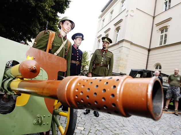 Připraveni k obraně republiky. Mobilizace 1938 je letošní téma 17. ročníku Cihelny.
