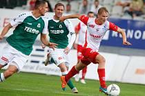 Fotbalové utkání Fortuna ligy mezi FK Jablonec (v zelenobílém) a FK Pardubice (v červenobílém) na stadionuu v Jablonci nad Nisou.