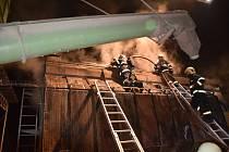 Požár sušičky kukuřice ve Lhotě u Přelouče.