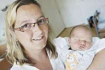 Vítek Otevřel se narodil 1. července v 0:09 hodin. Měřil 51 centimetrů a vážil 3950 gramů. Maminku Petru u porodu podporoval tatínek Michal a doma v Černé za Bory čeká ještě Dominik (1,5).