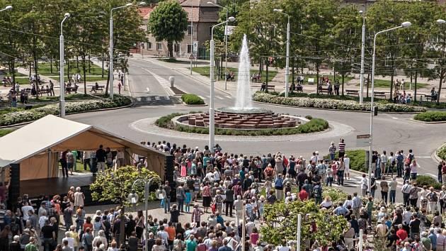 Součástí zahájení lázeňské sezony bylo také spuštění fontán.