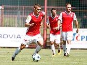 Z duelu 2. fotbalové ligy Pardubice - Opava (0:1).