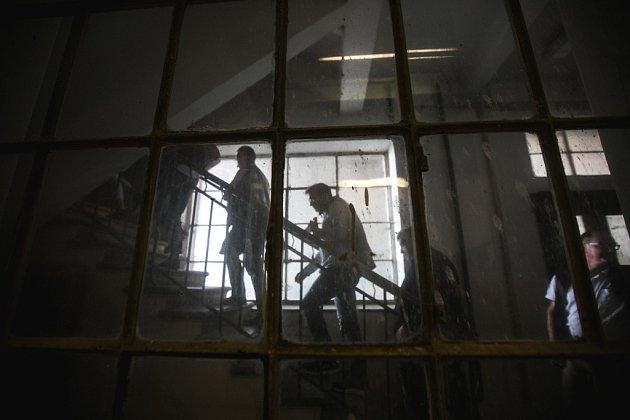 Radní pro kulturu a vedoucí odborů kultury Rady Asociace krajů si v Pardubicích prohlédli automatické mlýny.