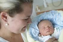 Jan Kudláček se narodil 26. července v 22:49 hodin. Měřil 48 centimetrů a vážil 2690 gramů. Maminku Ladu u porodu podpořil tatínek Jan a doma v Černé za Bory čeká dvouletá Eliška.