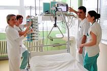 Řečtí studenti se učí také na JIP pardubické nemocnice