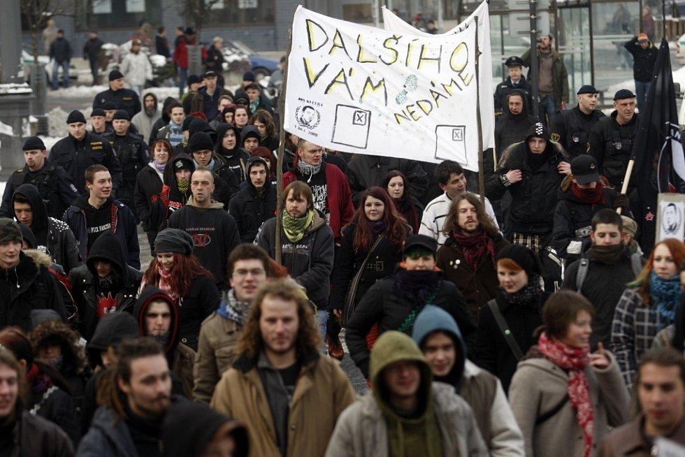 Antifašisté prošli Pardubicemi