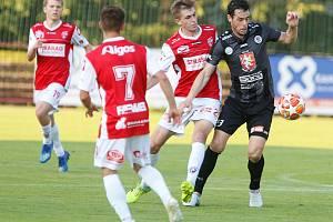 Utkání Fotbalové národní ligy mezi FK Pardubice a FC Hradec Králové - ilustrační foto