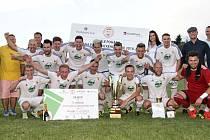 WE ARE THE CHAMPIONS! Tak dobře, Ligu mistrů nevyhráli, ale radost měli fotbalisté z Moravské Třebové stejnou.
