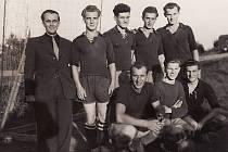 Rok 1948. František Pýcha je třetí stojící zleva.