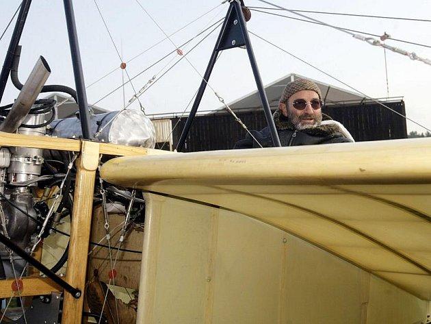 Přesně po sto letech se měl z Pardubic ku Praze vydat letoun blériot. Počasí mu to ale znemožnilo