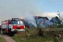Požár stohu v Kojicích