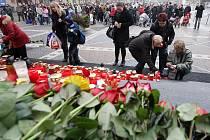 Poslední rozloučení s Václavem Havlem na náměstí Republiky v Pardubicích