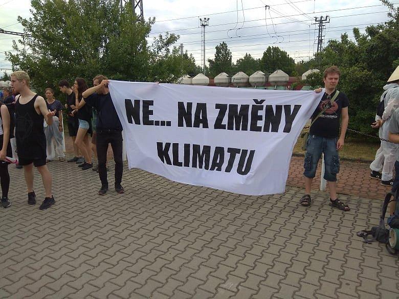 V Řečanech nad Labem se sešli aktivisté bojující proti elektrárně ve Chvaleticích