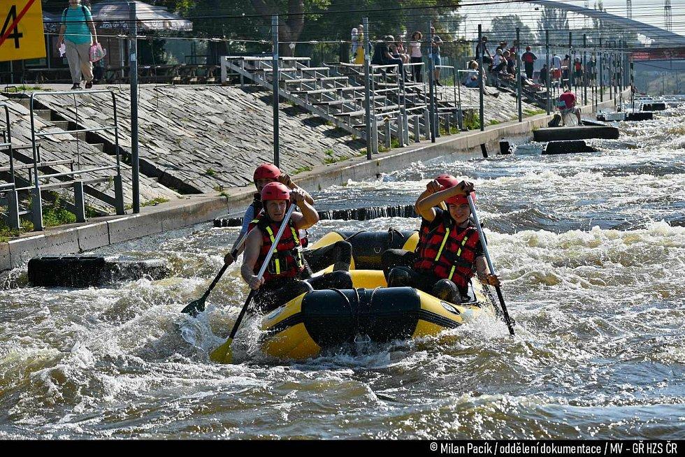 V sobotu 4. září se v Praze – Tróji konal 23. ročník raftových závodů. Tradiční závod měl opět tradičního vítěze, Pardubáky