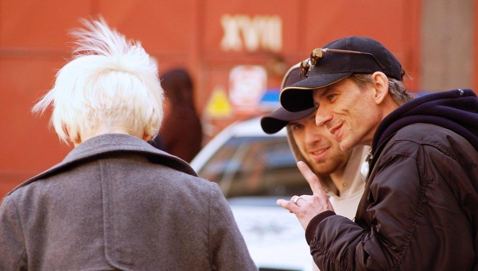 Ďábelský výraz i gesta režiséra Stracha