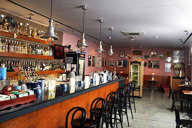 Martinis Café – Cocktail Bar