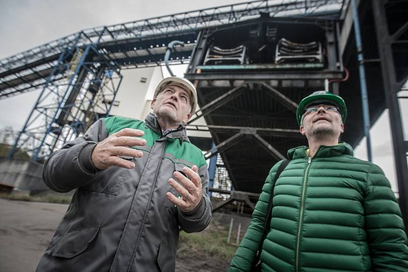 Prohlídka elektrárny Chvaletice přitáhla přes jeden tisíc zájemců.