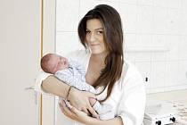 JAKUB DOSTÁL se narodil 28. srpna ve 12 hodin a 24 minut. Měřil 52 centimetrů a vážil 4160 gramů. Maminku Janu podpořil u porodu tatínek Jakub. Bydlí v Pardubicích.
