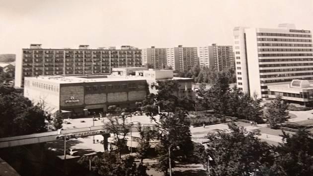 Dřívější podoba Masarykova náměstí v Pardubicích