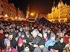 Zaplněné Pernštýnské náměstí zpívalo koledy s Deníkem v Pardubicích